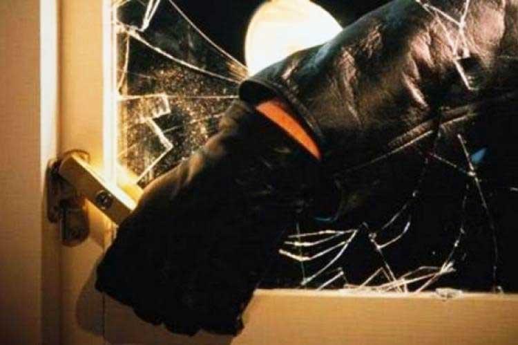 Heavily armed bandits 'prefer' seniors' residences